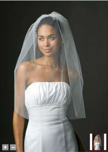 David's Bridal Light Ivory Medium Blusher Bridal Veil