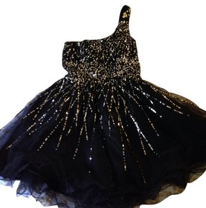 Dave & Johnny Semi Sparkly Short Dress