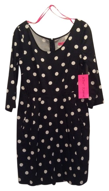 Preload https://img-static.tradesy.com/item/3410614/betsey-johnson-black-and-white-polka-dot-style-fy01w11-above-knee-short-casual-dress-size-8-m-0-0-650-650.jpg