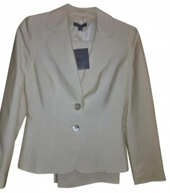 Preload https://img-static.tradesy.com/item/34112/ann-taylor-ivorycream-silk-business-pant-suit-size-petite-2-xs-0-0-650-650.jpg