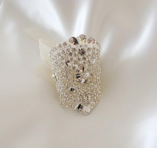 Bouquet Crystals Beaded Embellishment Wrap Brooch/Pin