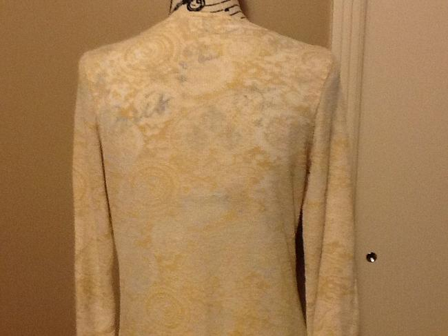 One World Long Sleeve Comfortable Sequins V Neck Lightweight Top Light Beach