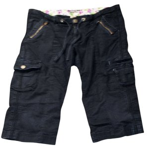 Arizona Jean Company Capris Black