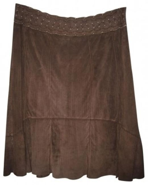 Preload https://item4.tradesy.com/images/cabi-brown-suede-fitted-and-flared-at-knee-knee-length-skirt-size-6-s-28-34178-0-0.jpg?width=400&height=650