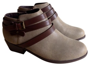 Modcloth Stone Seude Faux Leather Brown Zip Zipper Soft Ankle Ankle Brand New Never Worn Taupe Street Style Gray Boots