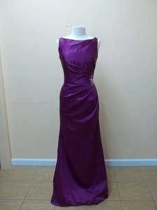 Mori Lee Mulberry Satin 688 Formal Bridesmaid/Mob Dress Size 14 (L)