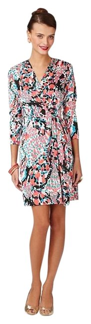 Preload https://img-static.tradesy.com/item/3424141/lilly-pulitzer-multicolor-anjelica-cameo-white-sweet-nothing-mid-length-short-casual-dress-size-8-m-0-2-650-650.jpg