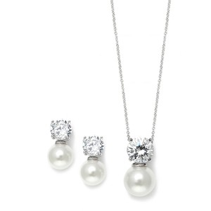 Mariell Cubic Zirconia With Pearl Solitaire Bridal Or Bridesmaid Necklace & Earrings Set 3508s