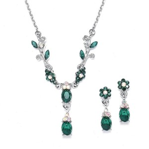 Mariell Emerald Floral Bridesmaid Or Prom Necklace Set 105s-em