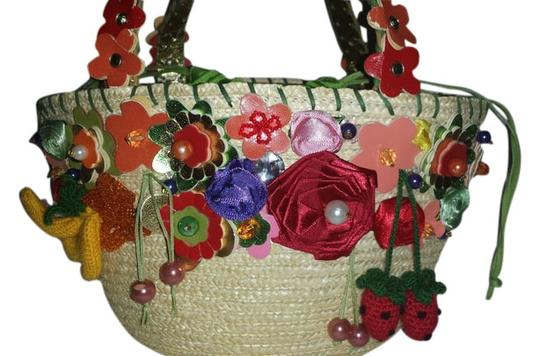 Preload https://img-static.tradesy.com/item/3425884/braccialini-fruit-and-flower-multicolor-straw-satchel-0-0-540-540.jpg