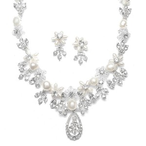 Mariell Freshwater Pearl Cluster Bridal Necklace Set 667s-s