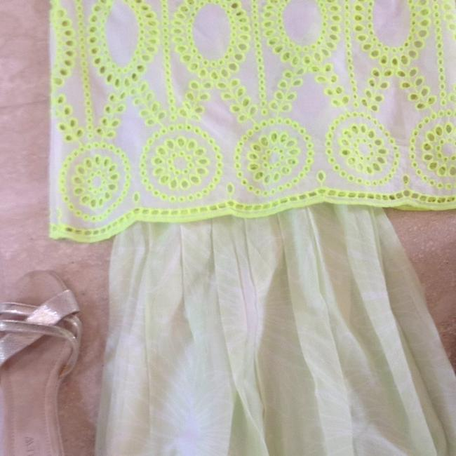 Dolce Vita Top White With Neon Yellow