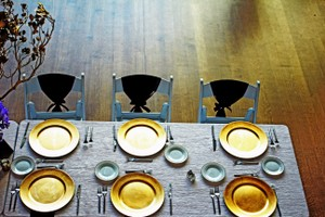 Ashland Gold Chargers Tableware