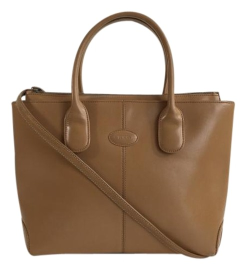 Preload https://item2.tradesy.com/images/tod-s-camel-leather-tote-3429346-0-2.jpg?width=440&height=440