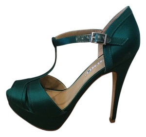 David Tutera for Mon Cheri Emerald green Formal
