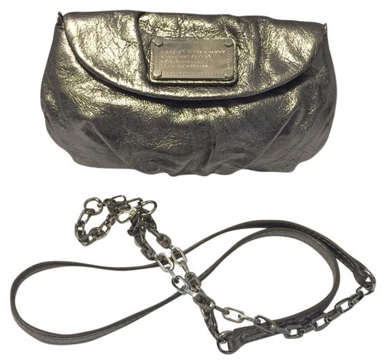 Preload https://item2.tradesy.com/images/marc-by-marc-jacobs-metallic-silver-leather-cross-body-bag-3430546-0-0.jpg?width=440&height=440