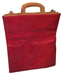 Louis Vuitton Stanton Vernis Vernis Stanton Tote in red