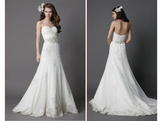 Wtoo Ivory English Net with Lace Appliques Watters Ariana 15343 Feminine Wedding Dress Size 8 (M)