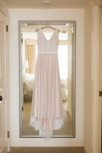 BHLDN Blush Tulle/Silk Tamsin Feminine Wedding Dress Size 8 (M)