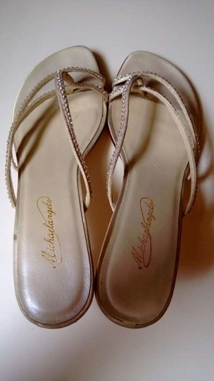 Michelangelo Ivory Marly Pumps Size US 9.5