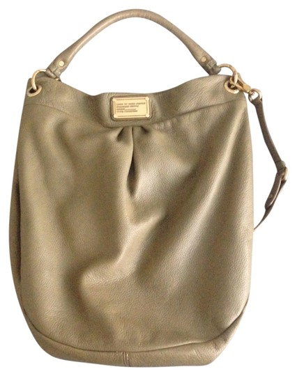 Preload https://img-static.tradesy.com/item/3434266/marc-by-marc-jacobs-classic-q-hillier-olive-leather-hobo-bag-0-0-540-540.jpg