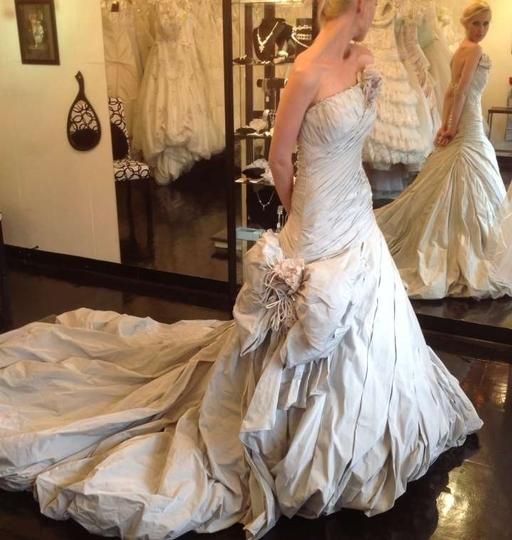 Ian Stuart Platinum Silk Modern Feminine Wedding Dress Size 00 (XXS)
