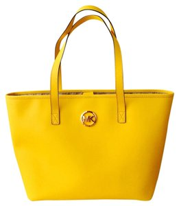 Michael Kors Tote in Citrus