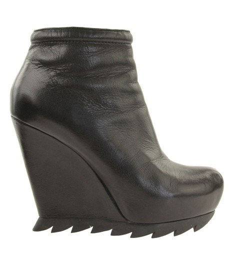 Preload https://img-static.tradesy.com/item/3436780/camilla-skovgaard-black-wedge-heel-bootsbooties-size-eu-37-approx-us-7-regular-m-b-0-1-540-540.jpg