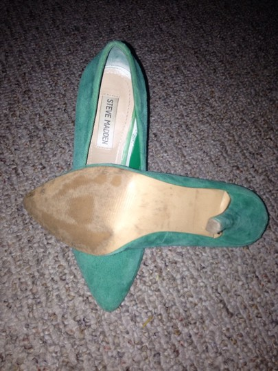 Steve Madden Emerald Pumps