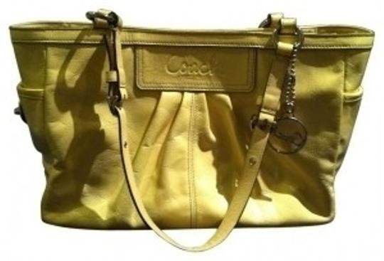 Preload https://img-static.tradesy.com/item/34376/coach-pleated-gallery-purse-canary-yellow-patent-leather-tote-0-0-540-540.jpg