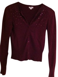 Preload https://item1.tradesy.com/images/american-eagle-outfitters-maroon-cardigan-size-8-m-343820-0-0.jpg?width=400&height=650