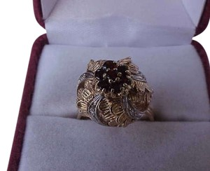 Vintage 14k 2 tone gold ring with diamonds and garnets