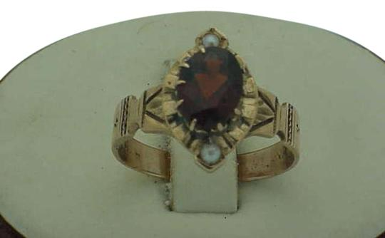 Vintage 12k rose gold dark red stone and pearl ring