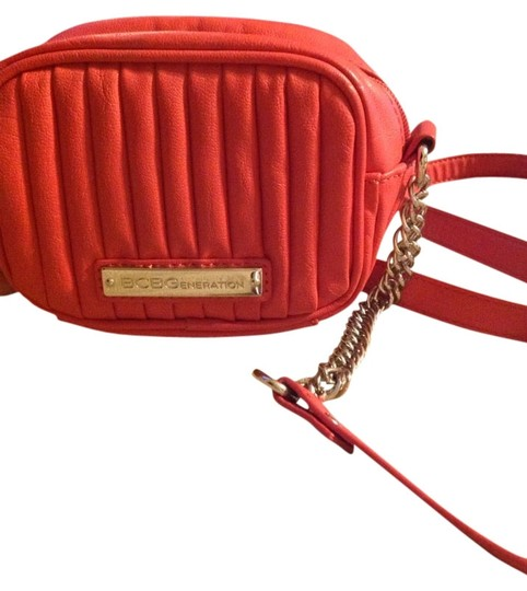 Preload https://img-static.tradesy.com/item/3443761/bcbgeneration-red-vinyl-shoulder-bag-0-0-540-540.jpg