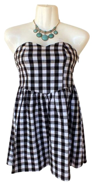 Audrey 3+1 short dress black, white Strapless Sweetheart Checkered Black And White Tunic on Tradesy