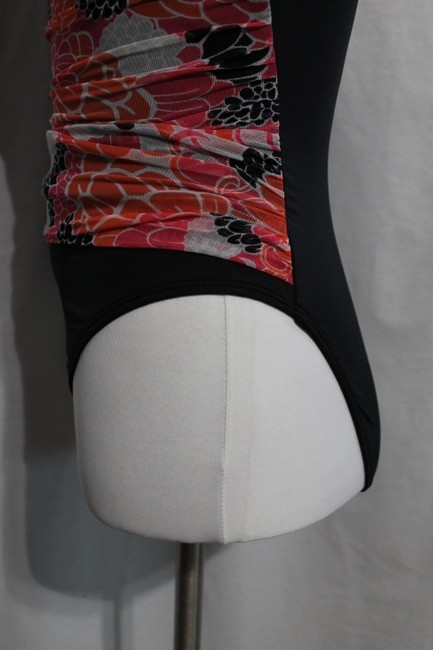 Jaclyn Smith New with Tags Misses Size 6 Jaclyn Smith One Piece Swimsuit