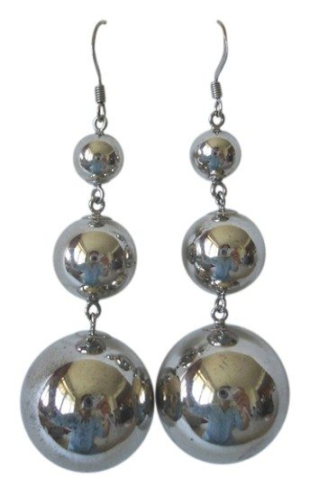 Preload https://img-static.tradesy.com/item/3445165/nordstrom-steel-triple-bead-earrings-0-0-540-540.jpg