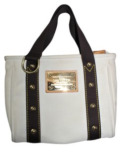 Louis Vuitton Lv Small Tote in BEIGE