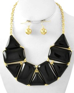 Unknown Emerald Cut Black Acrylic Statement Fashion Necklace Set