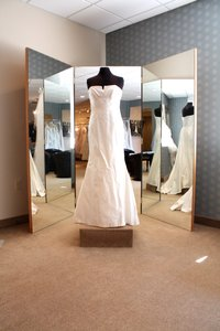 Nicole Miller Im0002 Wedding Dress
