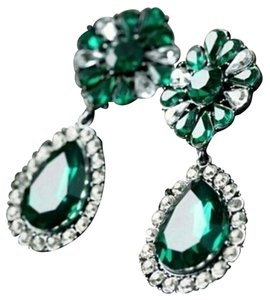 Fashion Jewelry For Everyone green earrings