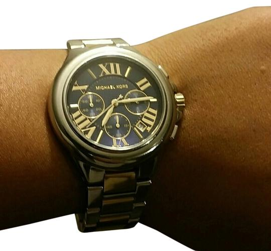 Preload https://img-static.tradesy.com/item/3449275/michael-kors-silver-and-gold-watch-0-0-540-540.jpg