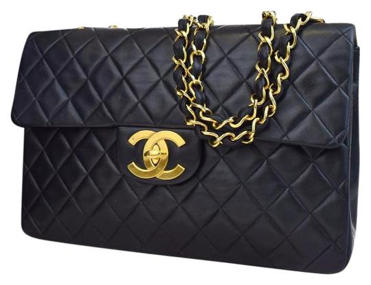 Preload https://item4.tradesy.com/images/chanel-classic-flap-jumbo-quilted-single-black-lambskin-leather-shoulder-bag-3449728-0-9.jpg?width=440&height=440