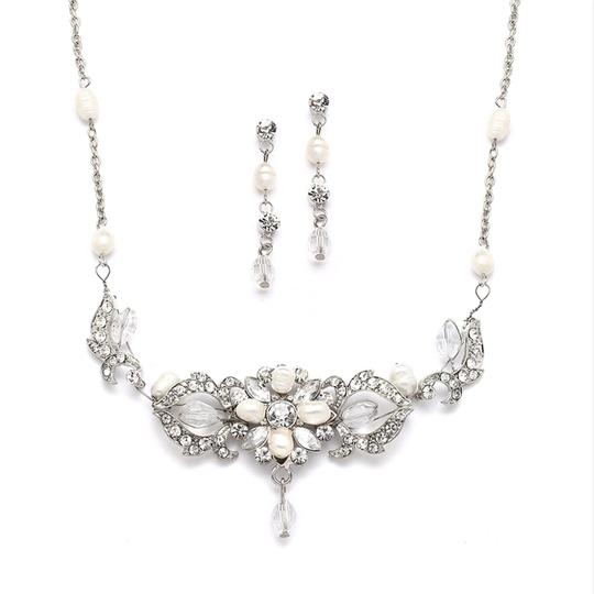 Preload https://img-static.tradesy.com/item/3449878/mariell-silver-top-selling-freshwater-pearl-crystal-earrings-set-4060s-necklace-0-0-540-540.jpg