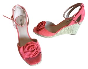 Ellen Tracy Coral Wedges