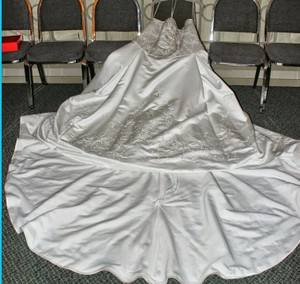 Oleg Cassini 8ct131 Wedding Dress