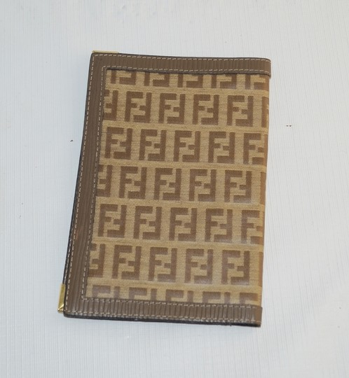 "Fendi Fendi Tan Brown Logo Signature Canvas 4x6"" Wallet"