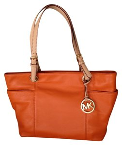 Michael Kors Tote in Orange Jet Set Tote