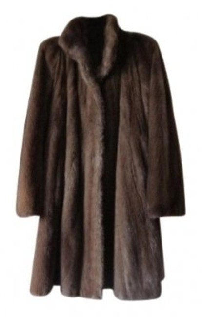 Preload https://img-static.tradesy.com/item/34604/saks-fifth-avenue-natural-mink-glamour-warmth-34-reversible-to-water-repellent-fabric-fur-coat-size-0-0-650-650.jpg