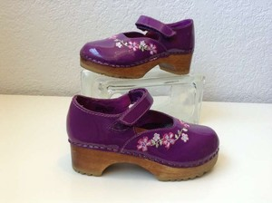 Hanna Andersson Hanna Andersson Purple Patent Floral Clog Mary Janes Wedding Shoes